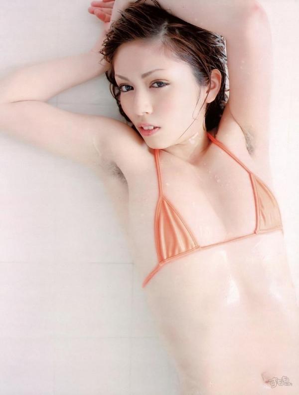 わき毛の画像 腋毛未処理でフェロモン溢れる女達50枚の023枚目