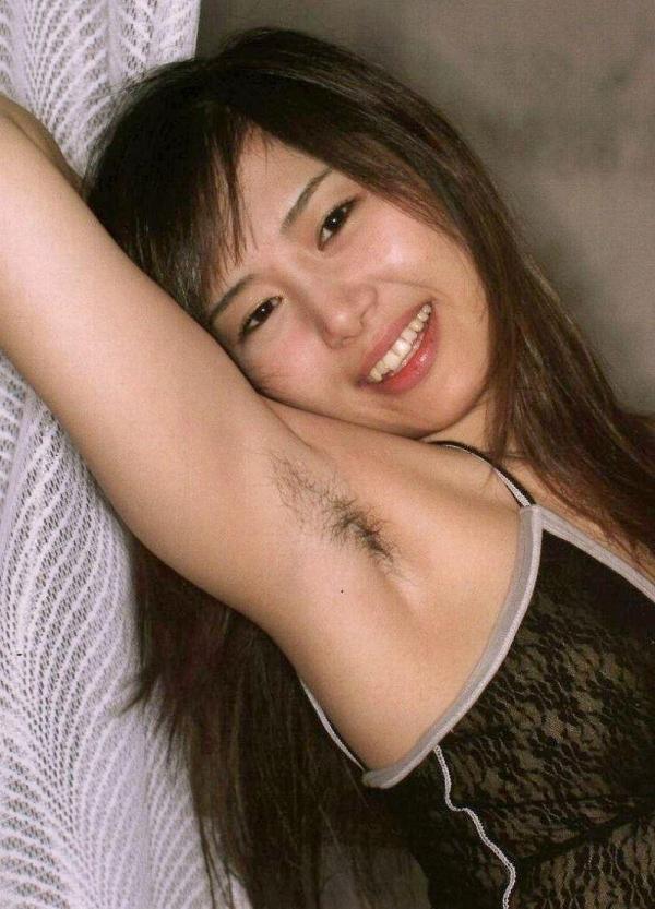 わき毛の画像 腋毛未処理でフェロモン溢れる女達50枚の037枚目