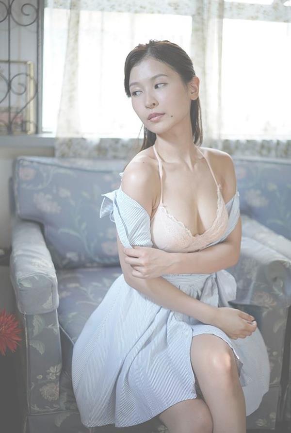 和久井雅子 妖艶な色気を放つグラビアアイドル画像60枚のb03枚目