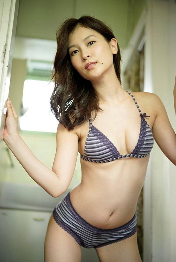 和久井雅子 妖艶な色気を放つグラビアアイドル画像60枚のb05枚目