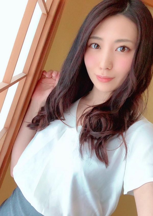 元女子アナ 山岸逢花 卑猥なお尻のスレンダー美女エロ画像45枚のa12枚目