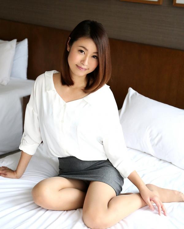 吉田花(有村史子)スレンダー巨乳美女エロ画像56枚のa010枚目