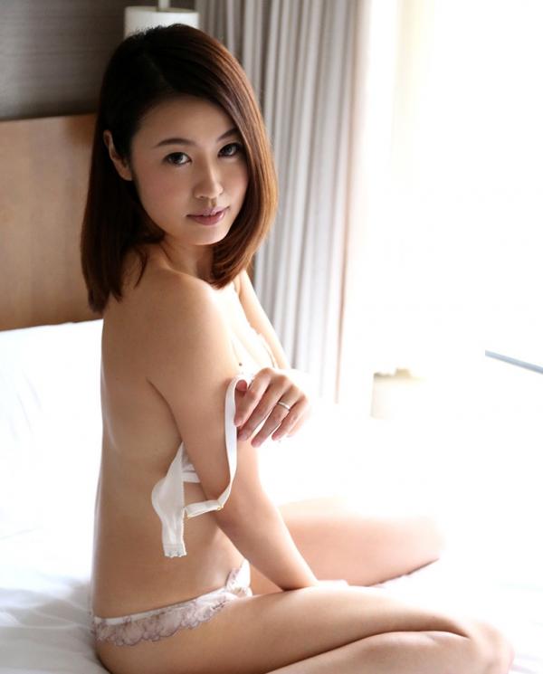 吉田花(有村史子)スレンダー巨乳美女エロ画像56枚のa017枚目