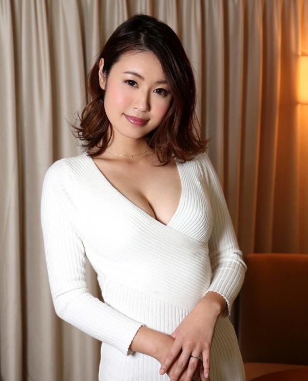 吉田花(有村史子)スレンダー巨乳美女エロ画像56枚のa033枚目