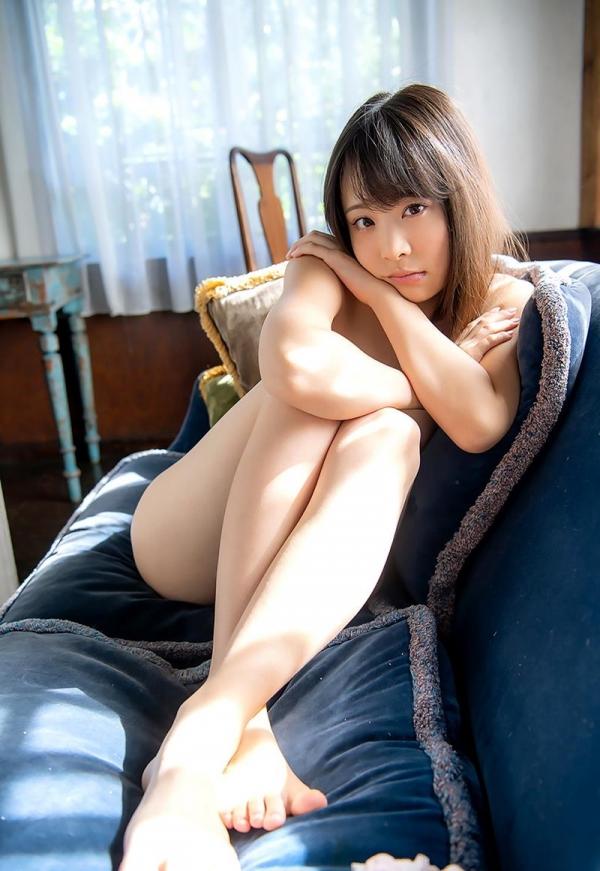 吉岡ひより 超敏感スリムボディの美少女ヌード画像120枚のb032枚目