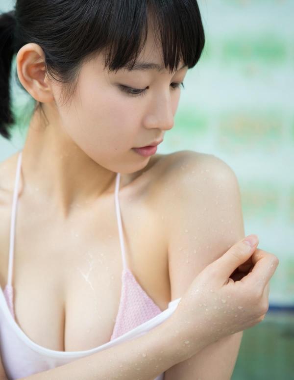 吉岡里帆(よしおかりほ)水着画像033