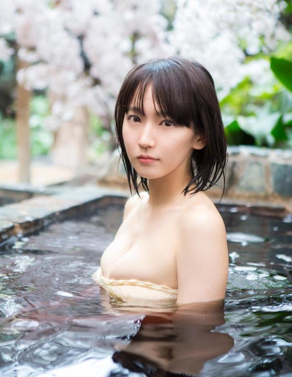 吉岡里帆(よしおかりほ)水着画像052