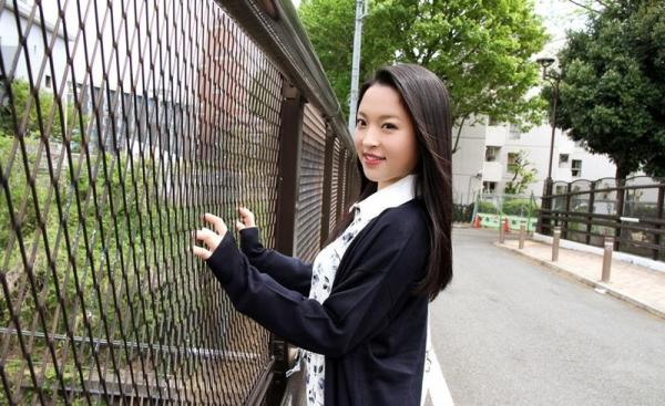優木カリナ 黒髪ロングのスレンダー美女エロ画像90枚の002枚目