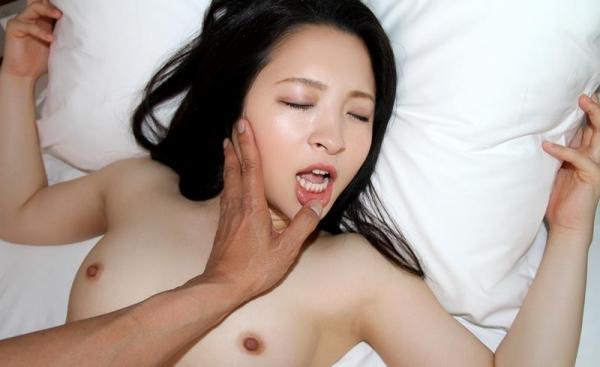 優木カリナ 黒髪ロングのスレンダー美女エロ画像90枚の063枚目