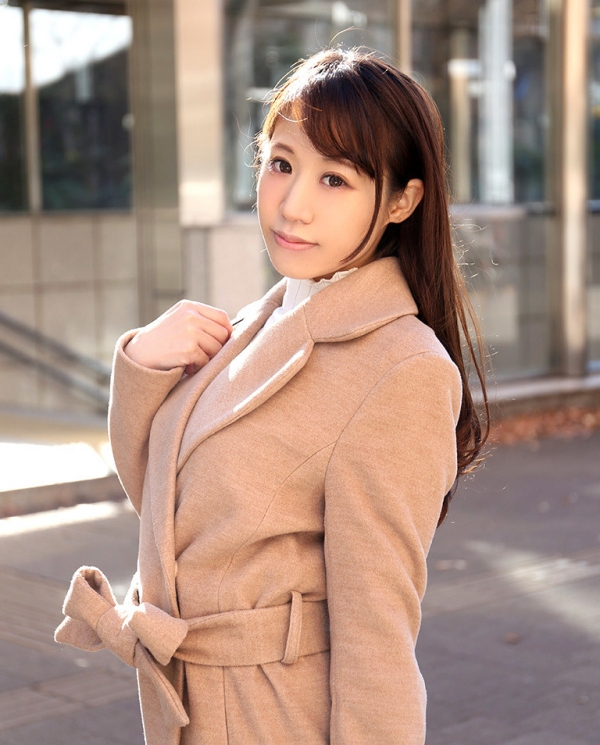 雪乃凛央(ゆきのりお) 元保育士のセクシー美女エロ画像56枚のb002枚目