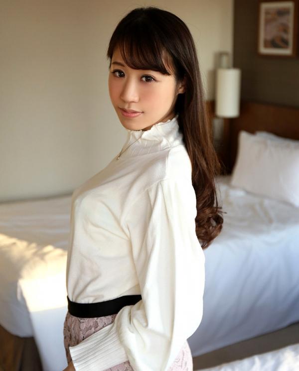 雪乃凛央(ゆきのりお) 元保育士のセクシー美女エロ画像56枚のb004枚目
