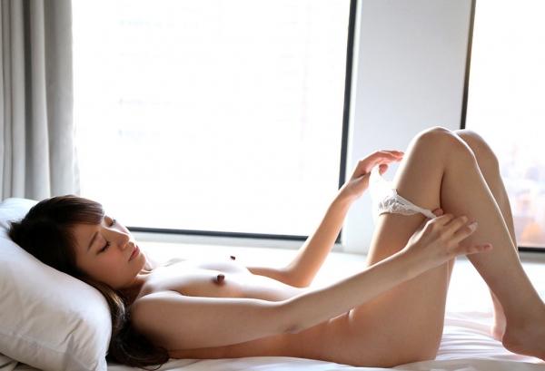 雪乃凛央(ゆきのりお) 元保育士のセクシー美女エロ画像56枚のb008枚目