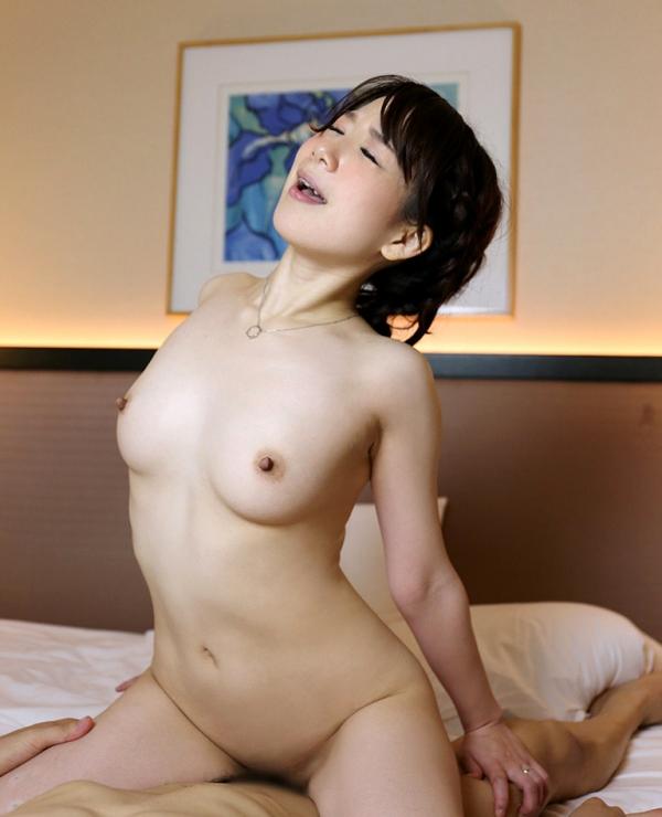 湯本珠未(水嶋優香)敏感過ぎるEカップ人妻エロ画像54枚の049枚目
