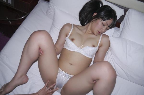 愛撫し合ってるセックス画像 前戯で求め合う男女120枚の014枚目