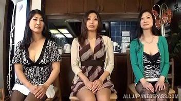 【熟女のための動画】30代、40代、50代の熟女さんが乱交セックスで激しく絡み合う!