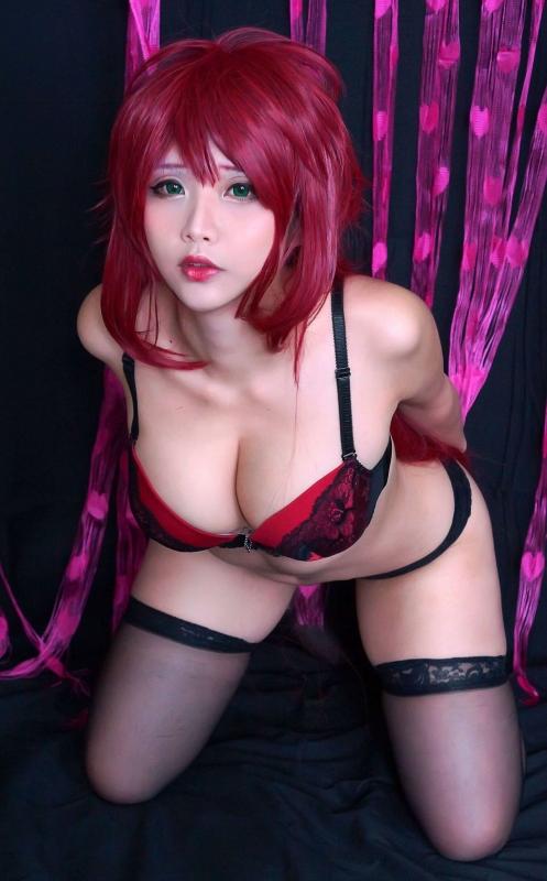 Hana Bunny 巨乳コスプレイヤー 11