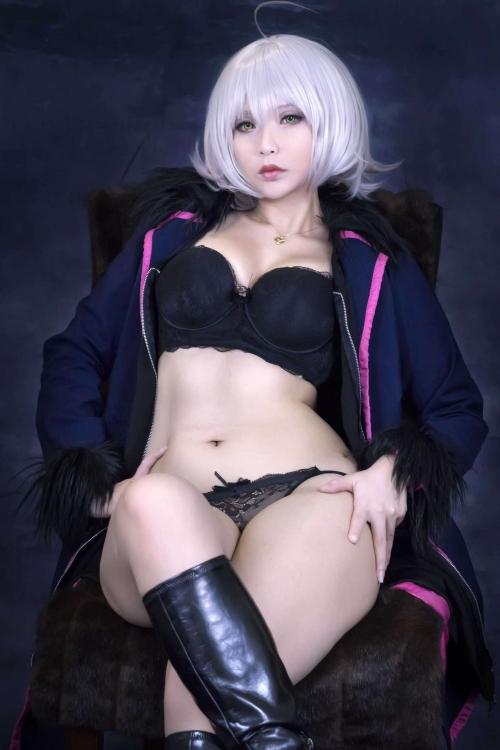 Hana Bunny 巨乳コスプレイヤー 19