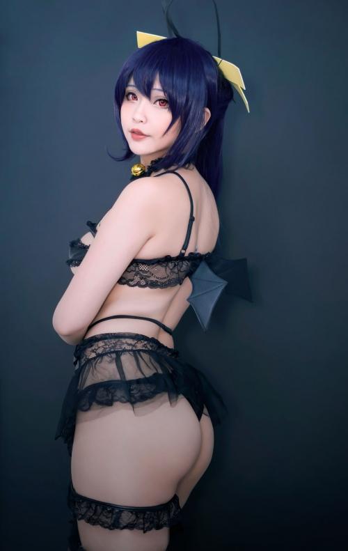 Hana Bunny 巨乳コスプレイヤー 32