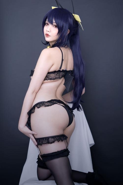 Hana Bunny 巨乳コスプレイヤー 36