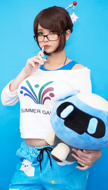 Hana Bunny 巨乳コスプレイヤー 73
