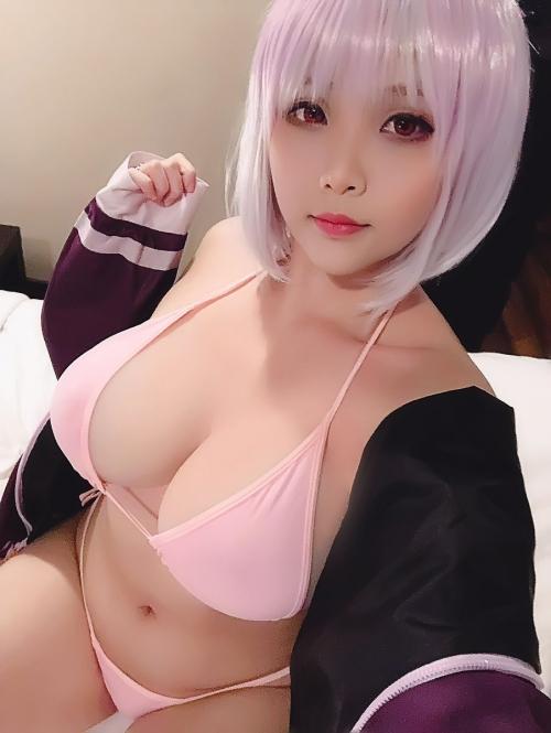 Hana Bunny 巨乳コスプレイヤー 105