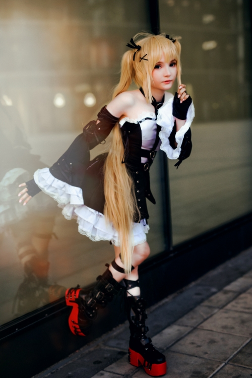 Rocksy Light Cosplayer 127