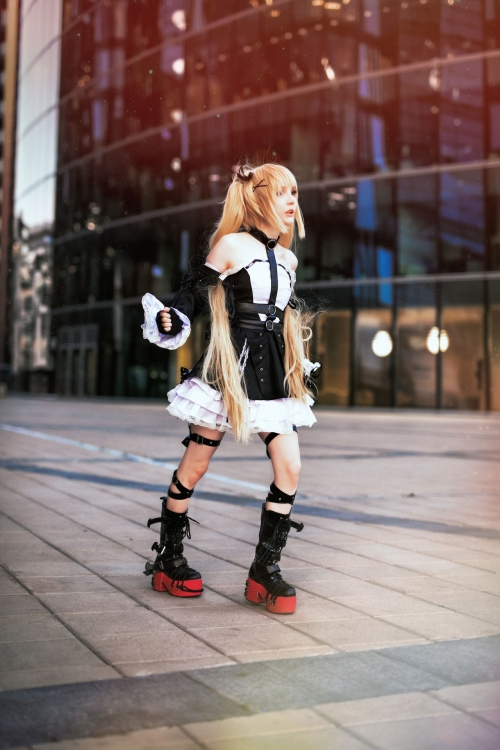 Rocksy Light Cosplayer 135