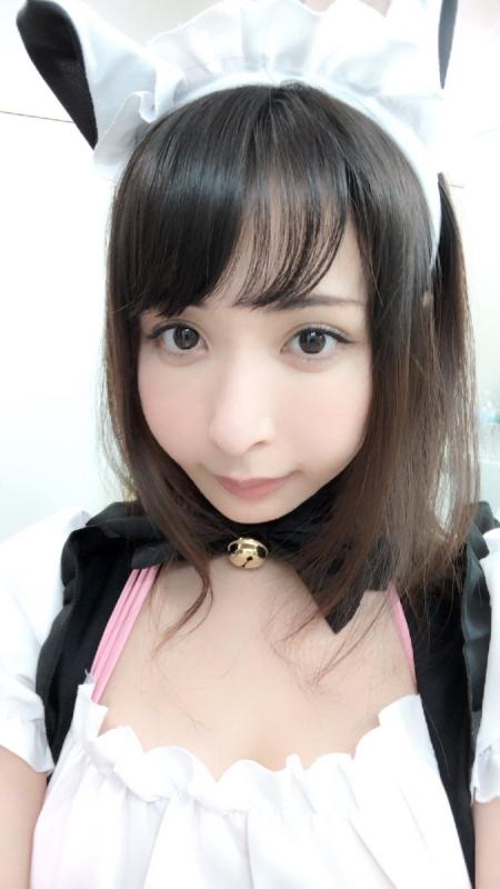 晶エリー(元・大沢佑香、新井エリー) 12