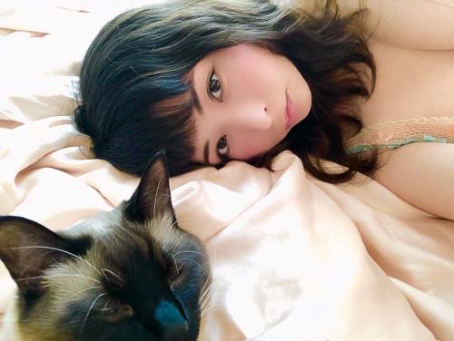 晶エリー(元・大沢佑香、新井エリー) 16