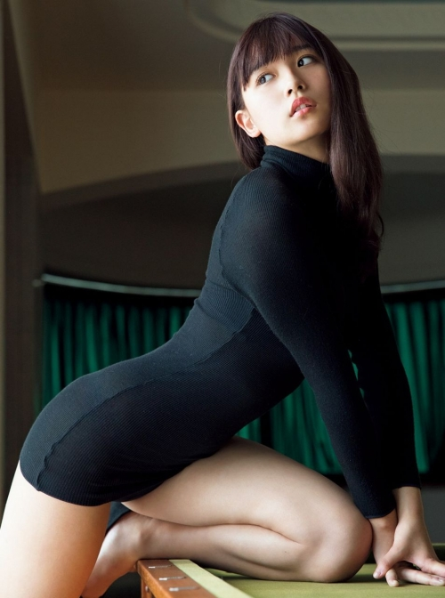 浅川梨奈(あさかわなな) 24