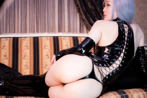 美南ナミ @373_cosplay くびれ巨尻のエナメルフェチコスプレイヤー 69