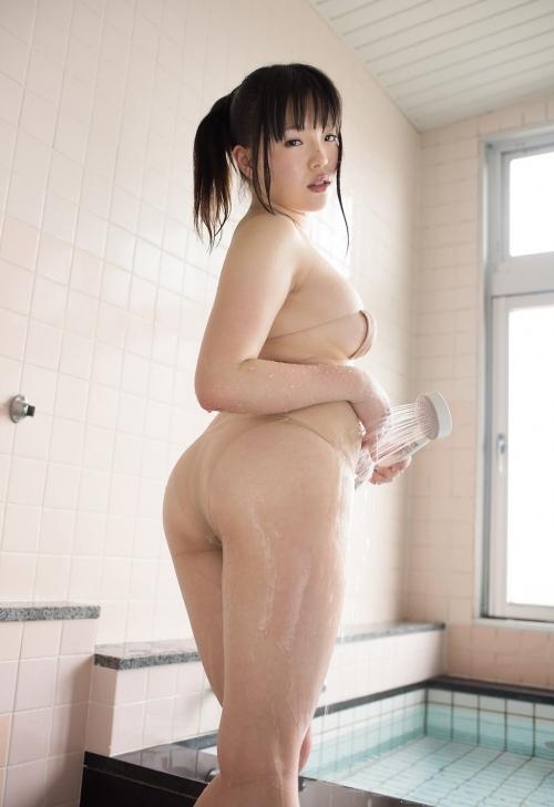 ベージュの下着 上田芹菜 29