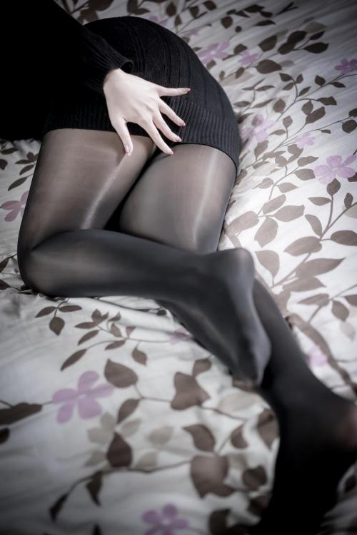 コスプレイヤー #私の太ももが性癖に刺さる人に届いてほしい 206