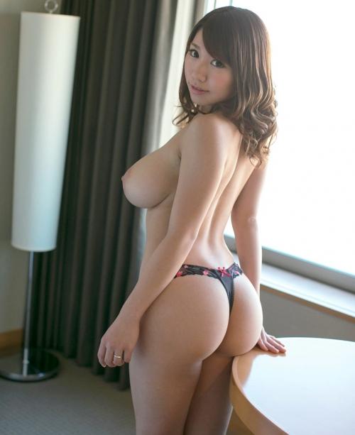 乳妻 Ryo 城崎まろん(鈴村いろは)