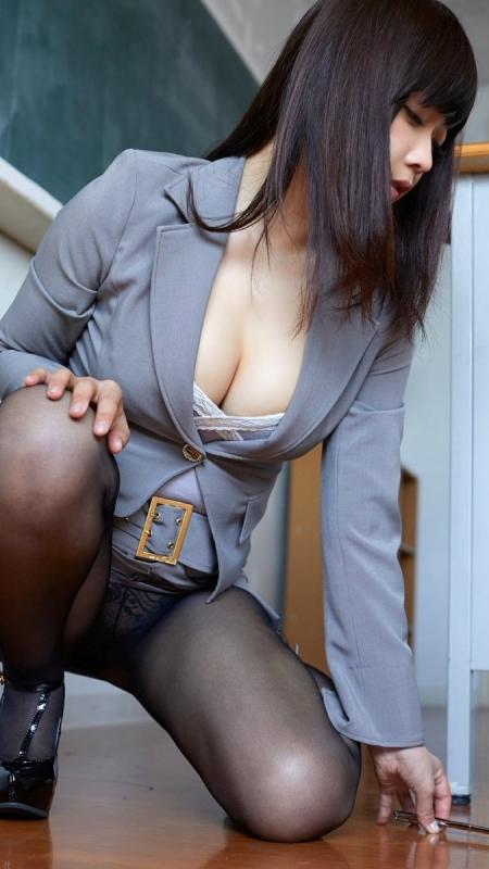 女教師 56