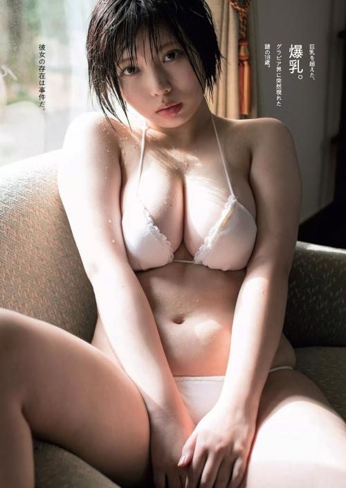 巨乳 グラビアアイドル 15