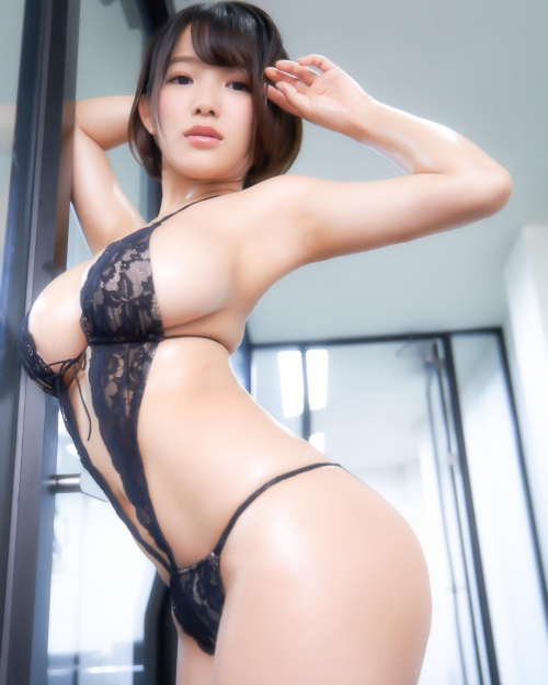 巨乳 グラビアアイドル 24