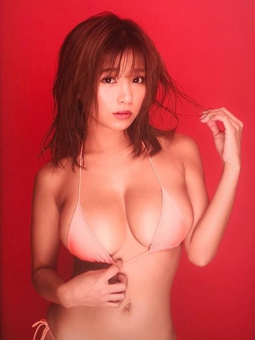 巨乳 グラビアアイドル 26