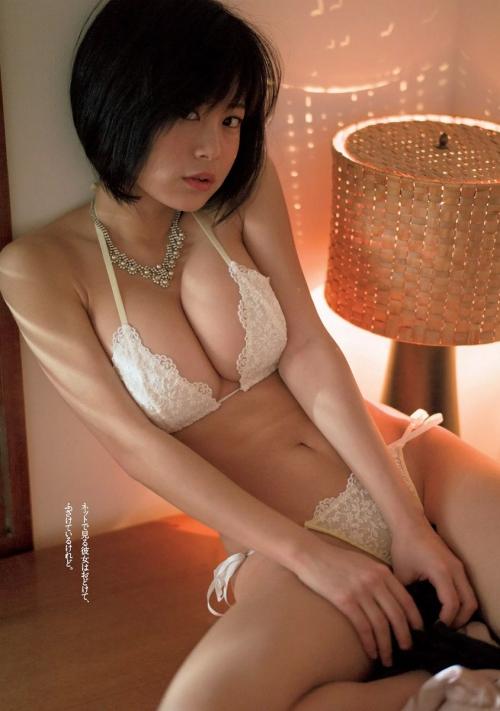 巨乳 グラビアアイドル 36