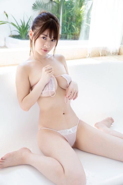 巨乳 グラビアアイドル 65