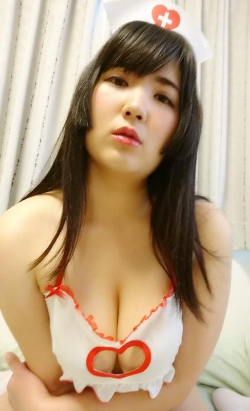 巨乳 グラビアアイドル 77