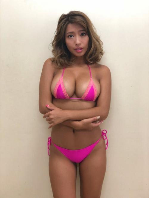 クラビアアイドル ビキニの水着 85
