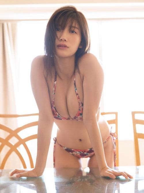 クラビアアイドル ビキニの水着 90
