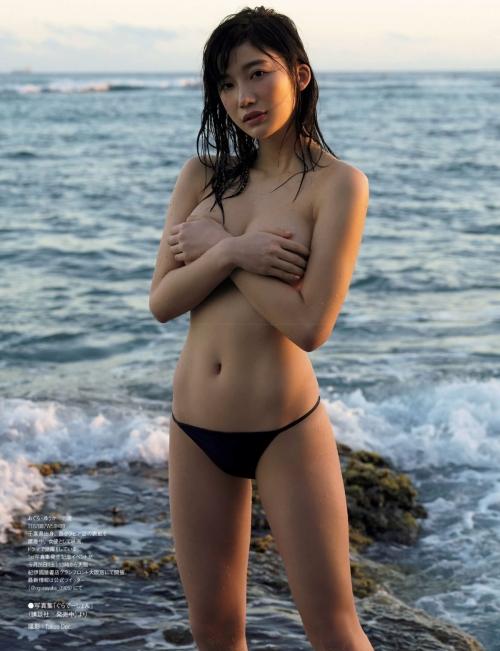 クラビアアイドル ビキニの水着 95