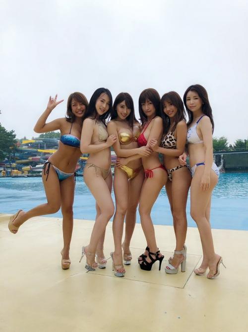 クラビアアイドル ビキニの水着 98