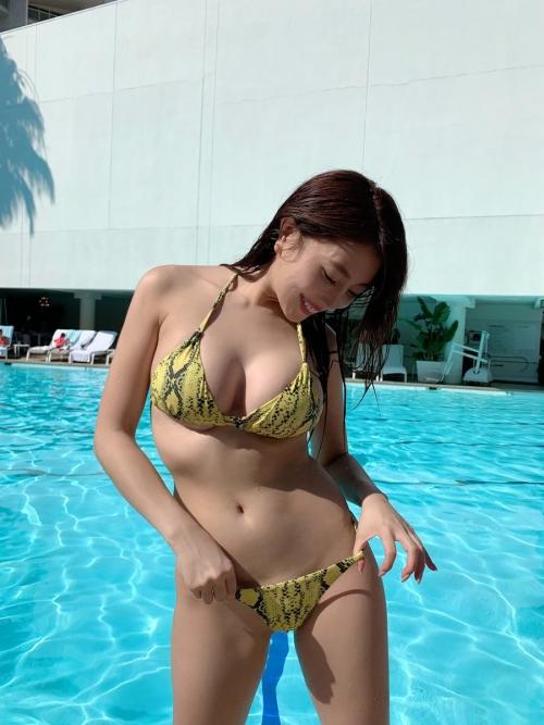 クラビアアイドル ビキニの水着 143