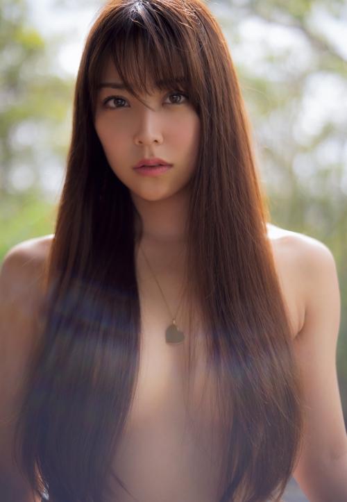 NMB48 白間美瑠 写真集『LOVE RUSH』 髪ブラ&Tバックお尻グラビア 110