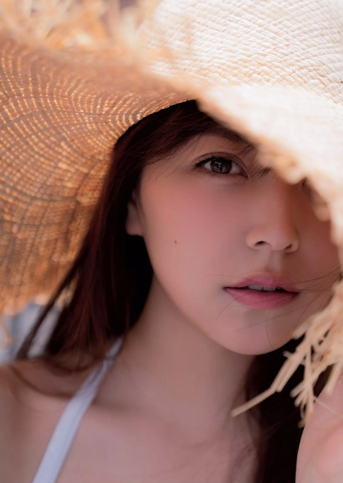 NMB48 白間美瑠 写真集『LOVE RUSH』 髪ブラ&Tバックお尻グラビア 119