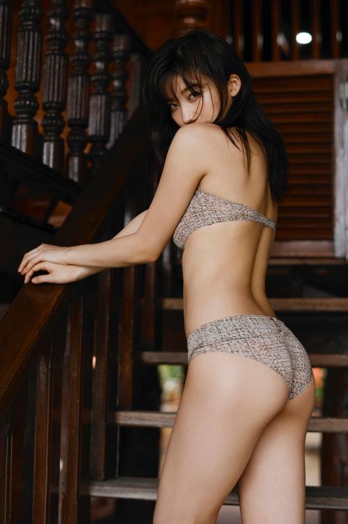 グラビアアイドル ビキニ 135