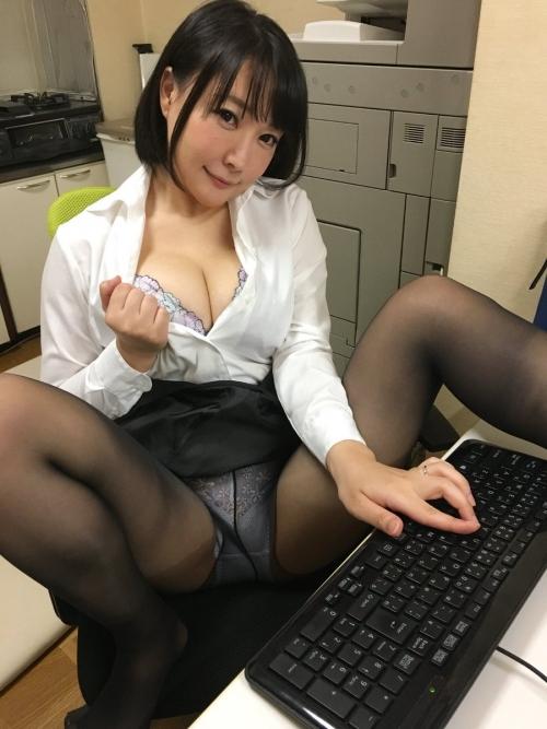 羽生ありさ(小峰ひなた) 62